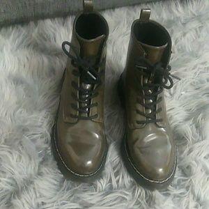 "Zara   Olive Green ""Doc Marten"" Style Boots"